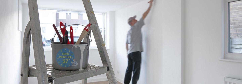 refaire la peinture ides dco pour apporter de la couleur au salon with refaire la peinture. Black Bedroom Furniture Sets. Home Design Ideas